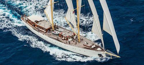 Segelyachten luxus  Luxus unter weissen Segeln, Segelreisen, Luxus Segelreisen ...