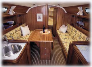 bavaria34_salon.jpg (22457 Byte)